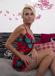 sex images Blonde housewife fucking and sucking, hardcore , housewives