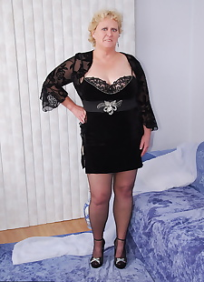 sex images Mature fatty Fanny removes cotton, stockings , bbw