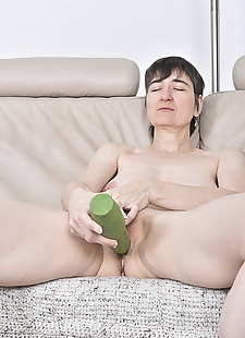 sex images Short haired mature lady with saggy, masturbation , brunette
